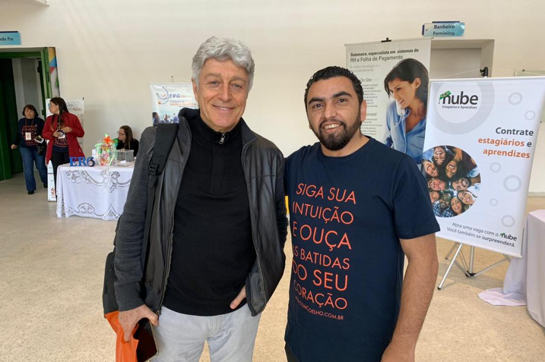 Jornalista Caco Barcelos em Mauá palestrando sobre GESTÃO DE PESSOAS NO TOM DAEXCELÊNCIA